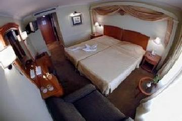 Monte Carlo Nile Cruise
