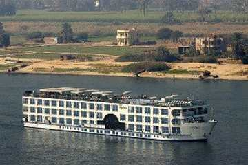 Stephanie Nile Cruise From Outside